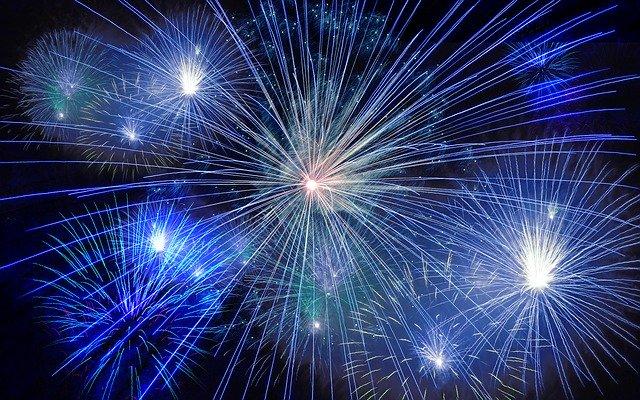 夜空の火花