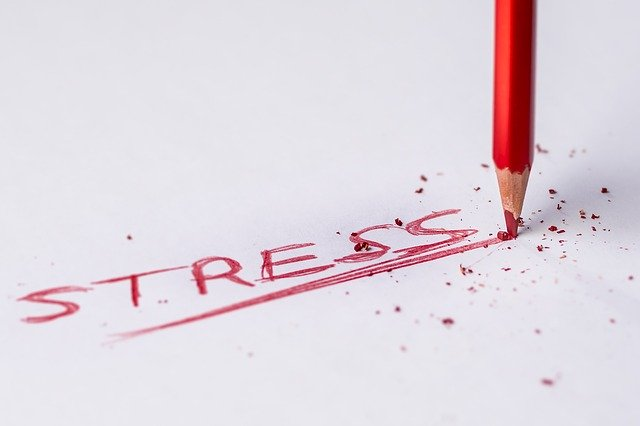 STRESSという赤文字